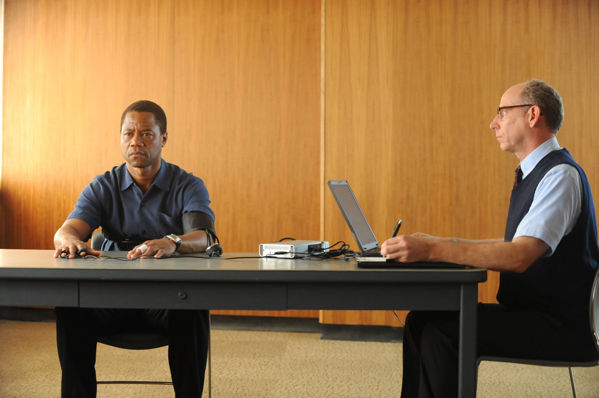 O.J. Simpson (Cuba Gooding, Jr.) takes a polygraph. Photo: Ray Mickshaw/FX