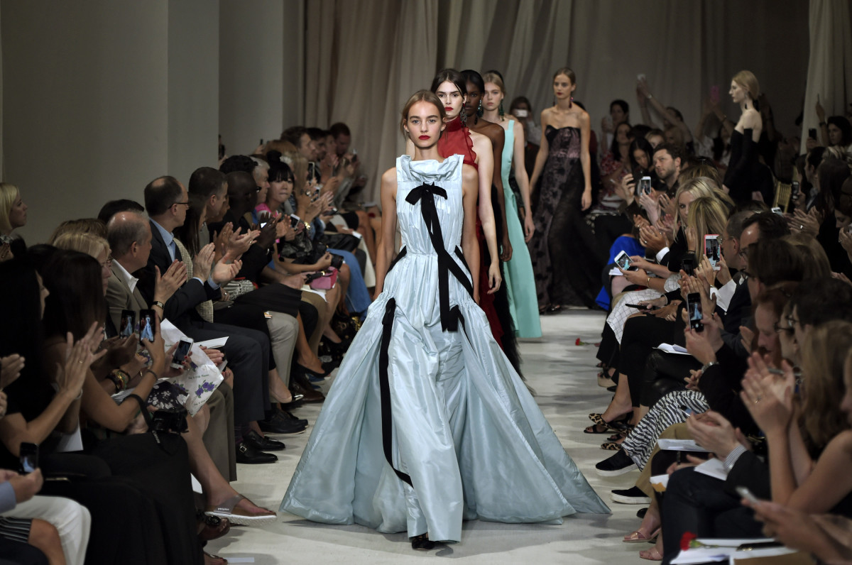 A dramatic blue gown leads the finale at Oscar de la Renta's spring 2016 show. Photo: Slaven Vlasic/Getty Images