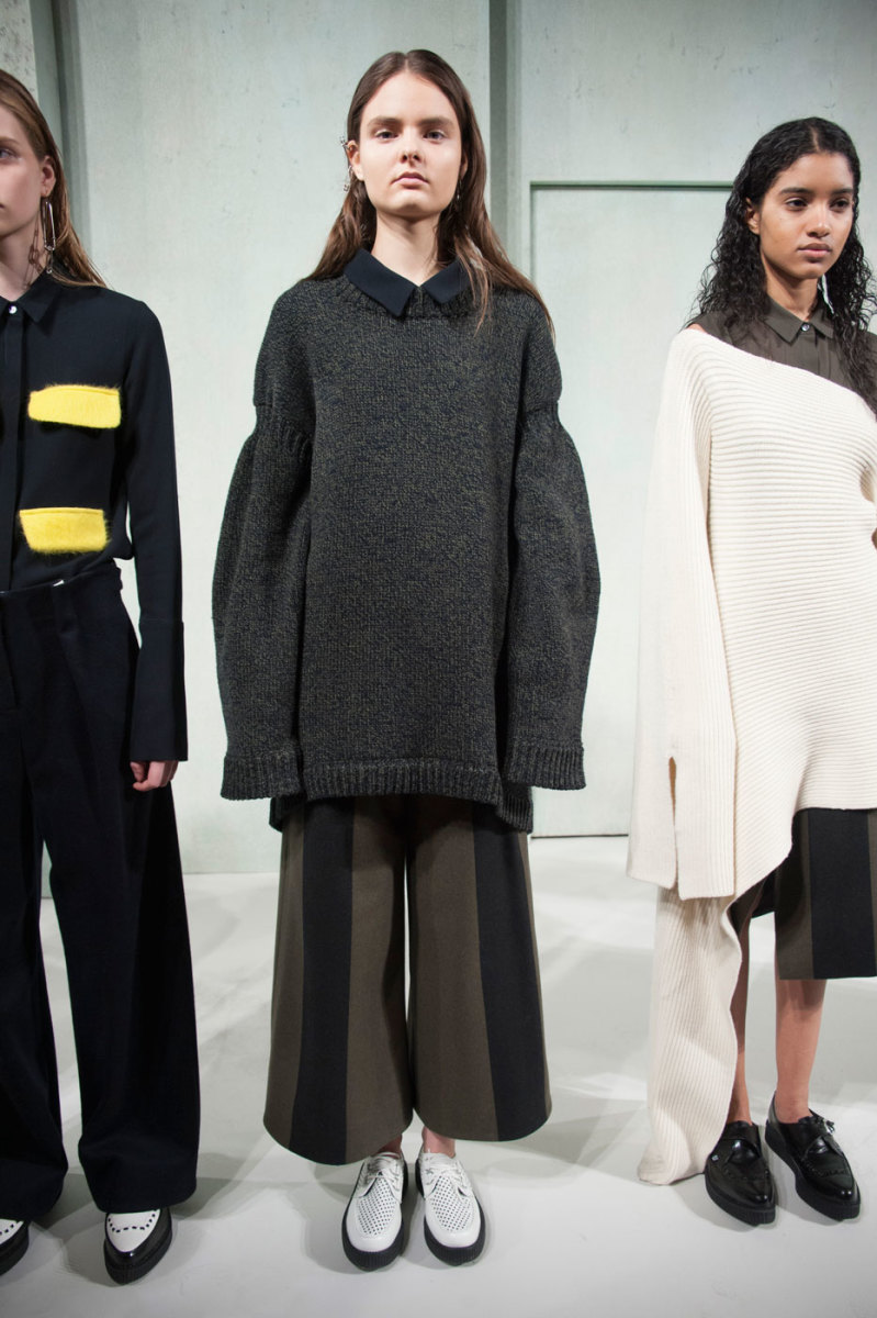 A look from Ji Oh's fall/winter 2016 show. Photo: Imaxtree