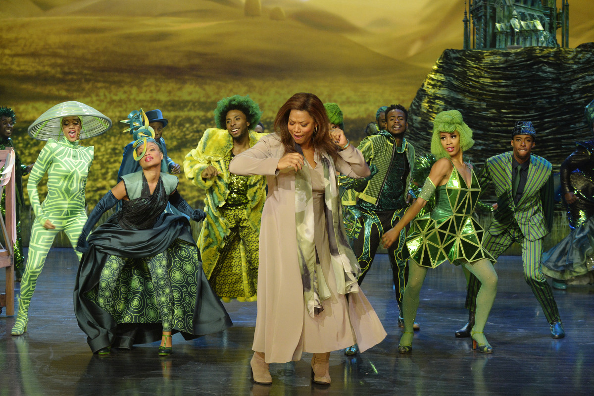 The Wiz (Queen Latifah) and the Emerald City citizens. Photo: Virginia Sherwood/NBC