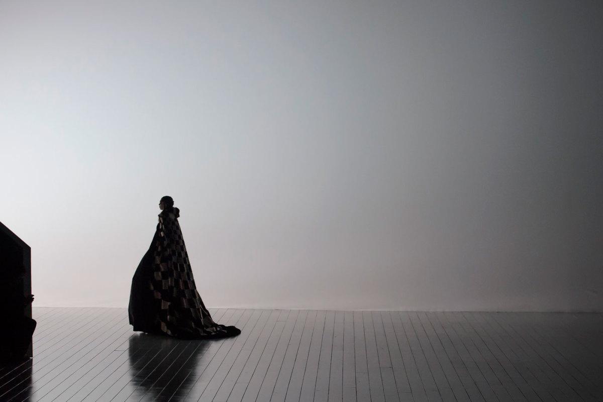 A cloak on the horizon. Photo: Imaxtree