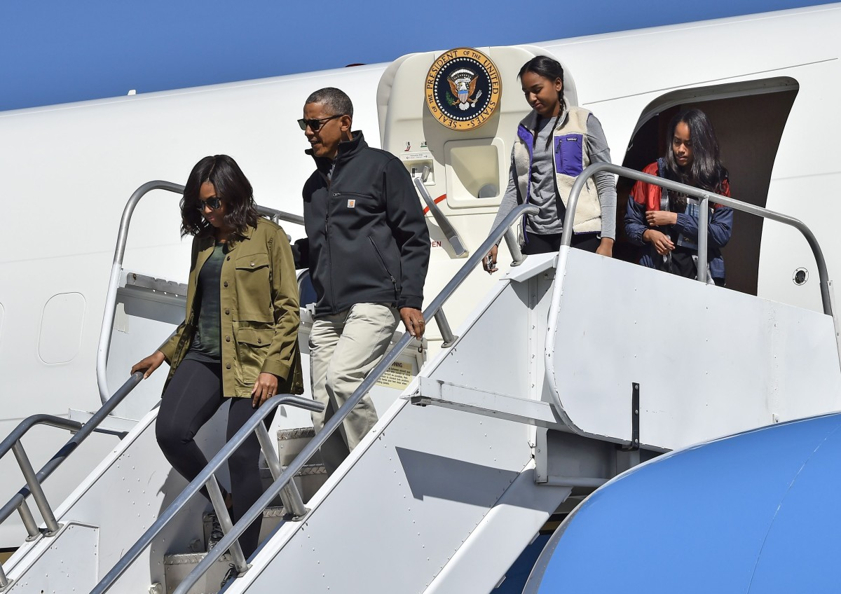 The First Family stepping off Air Force One in Bariloche, Argentina. Photo: Nicholas Kamm/AFP/Getty Images