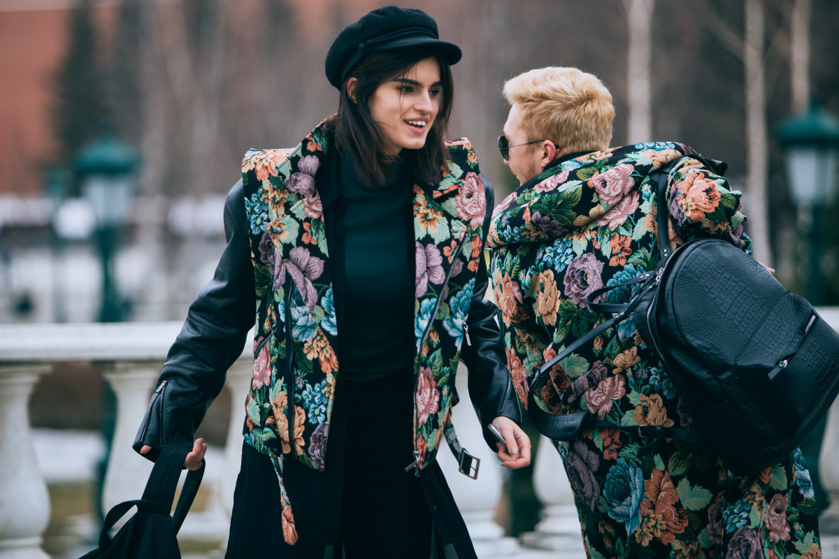 Saint Tokyo designer Yury Pitenin (here with model Sasha Panika) updated traditional Pavlovsky Posad floral shawl patterns. Photo: Mercedes Benz Fashion Week Russia