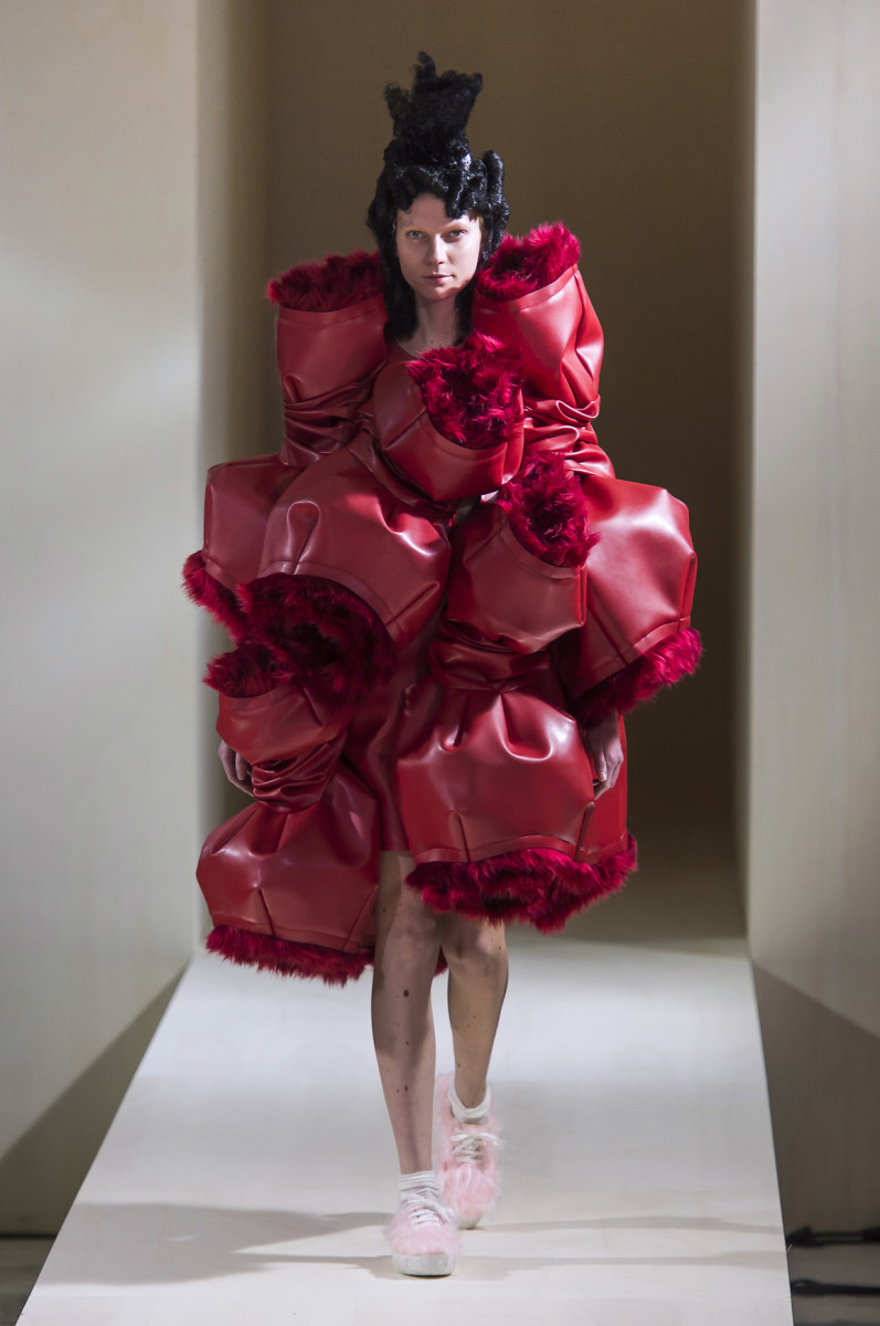 A look from Comme des Garçons's fall 2016 collection. Photo: Imaxtree