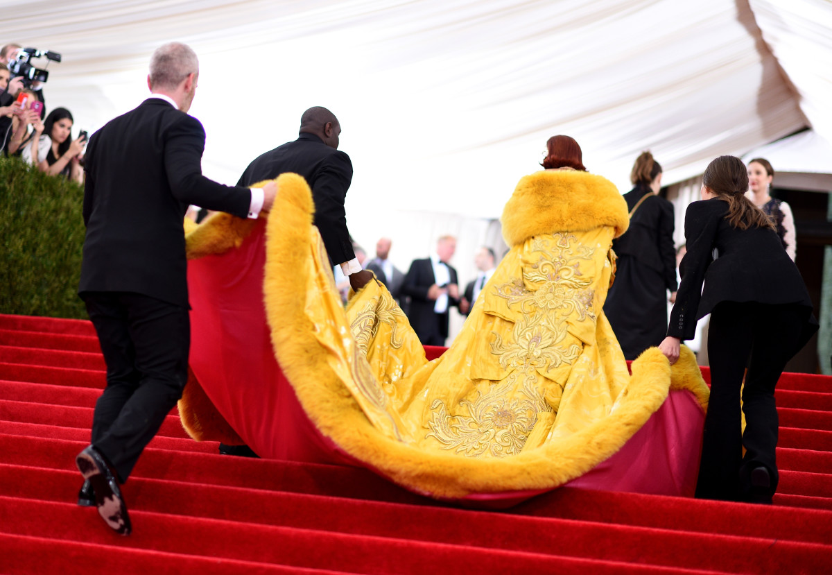 Rihanna enters the 2015 Met Gala. Photo: Dimitrios Kambouris/Getty Images