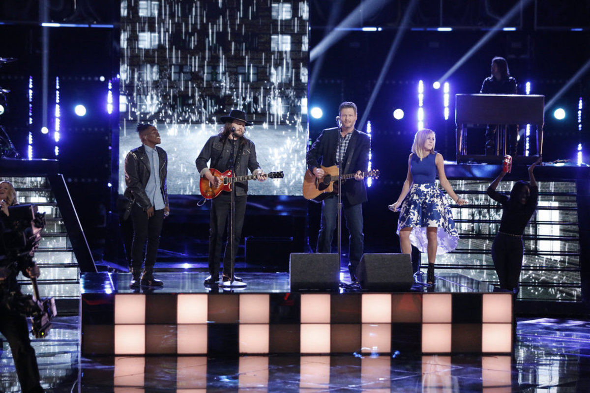 Paxton Ingram, Adam Wakefield, Blake Shelton and Mary Sarah, dressed by Erin Hirsh. Photo: Tyler Golden/NBC