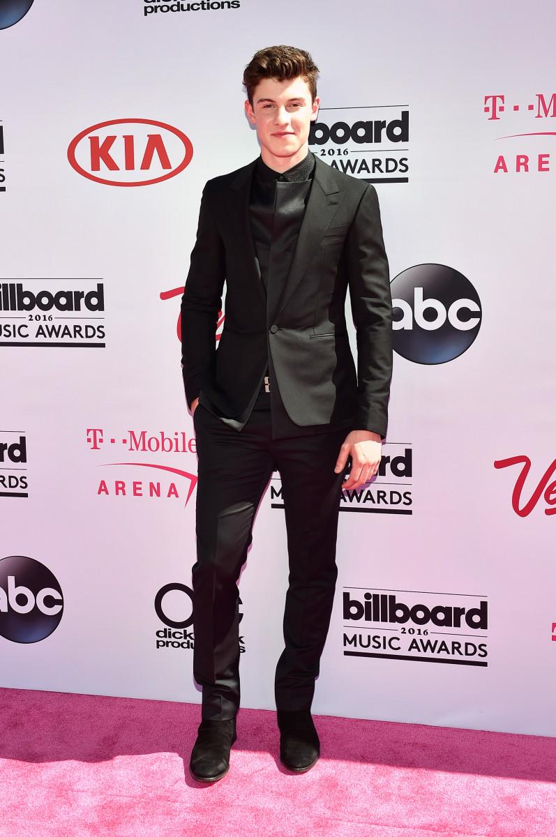 Shawn Mendes in Balenciaga at the 2016 Billboard Music Awards. Photo: David Becker/Getty Images