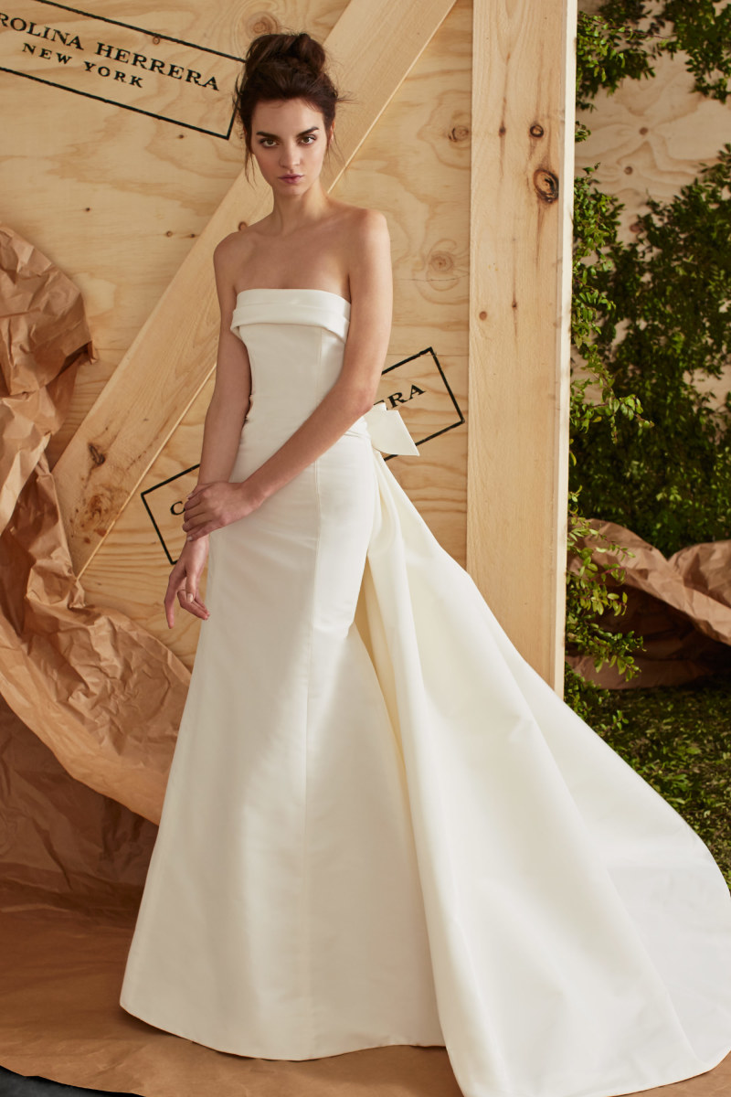 Carolina Herrera Ss17 Strapless Wedding Dress