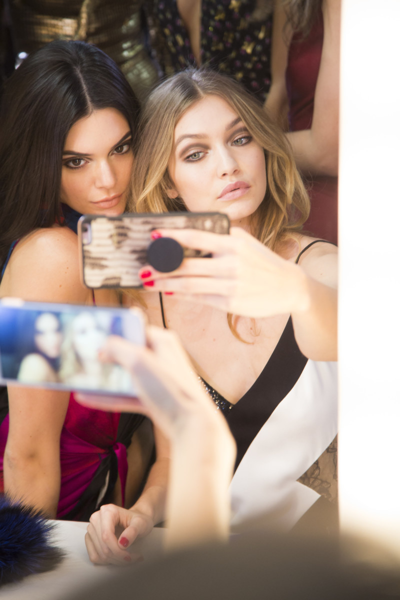 Kendall and Gigi show us how it's done. Photo: Imaxtree