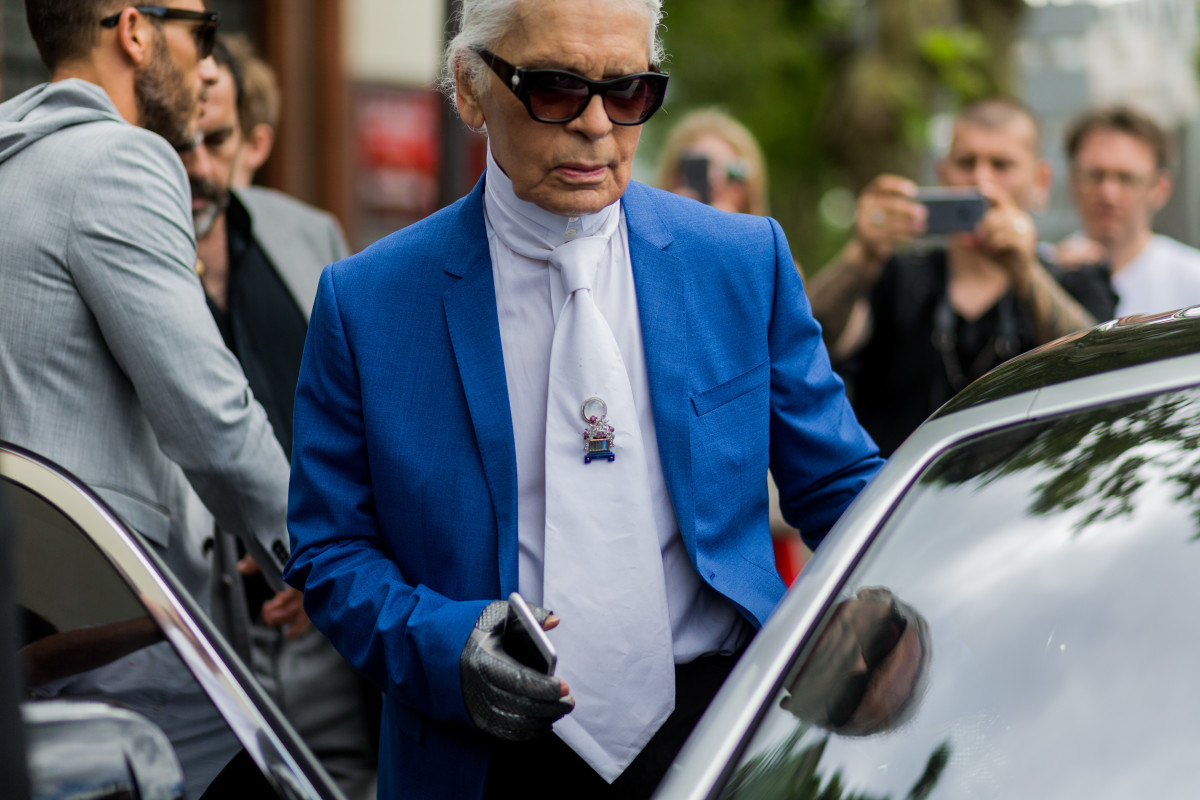 cb237190e0 Karl Lagerfeld outside the Dior Homme spring 2017 show on June 25