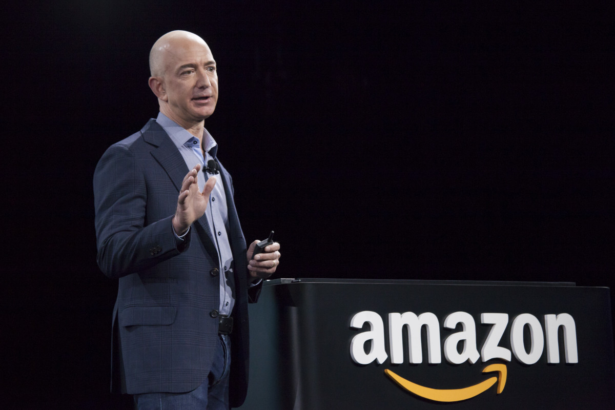 A new remote sales tax bill promises to level the playing field between brick-and-mortar stores and e-commerce companies like Amazon. Photo: David Ryder/Getty Images