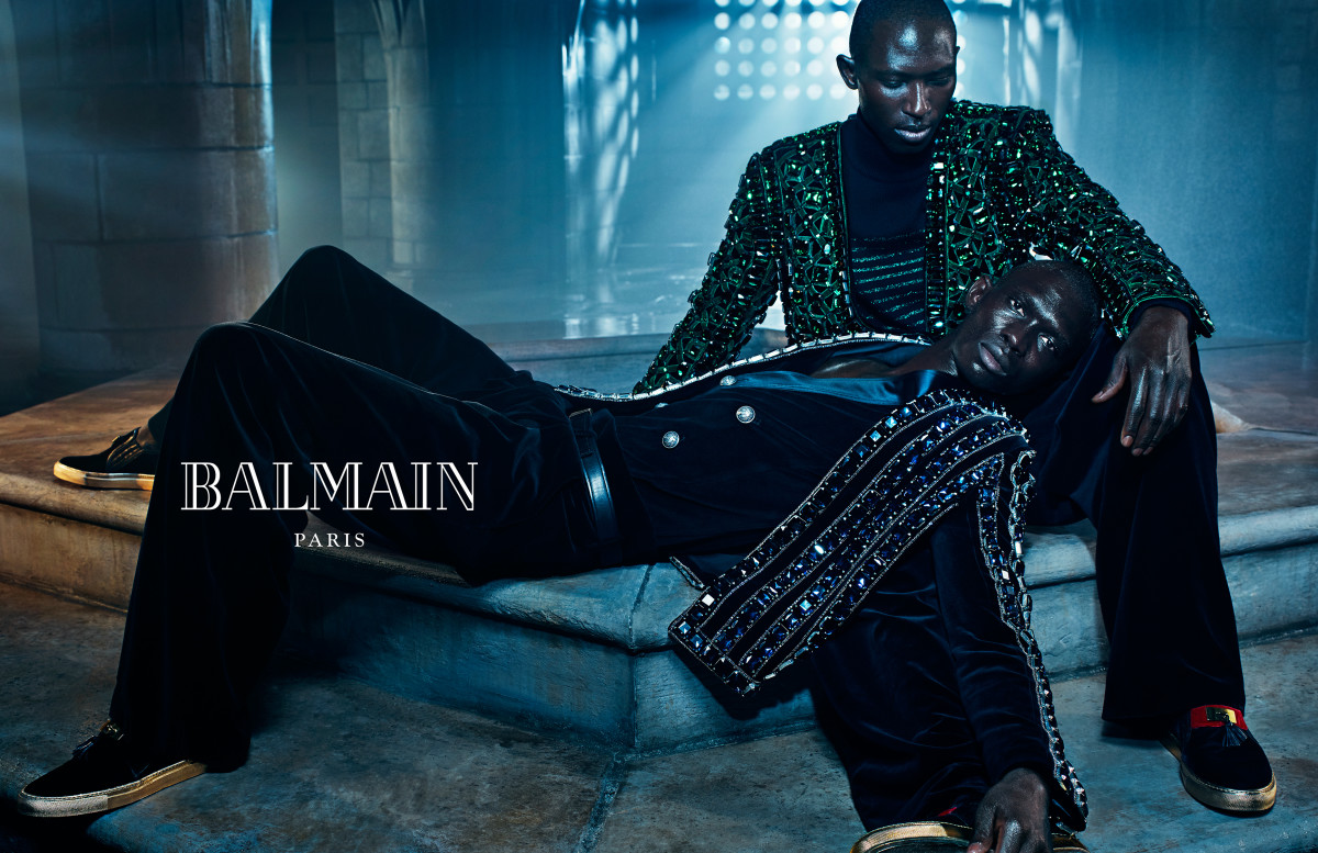 Kylie and kendall jenner balmain fall campaign forecast dress for summer in 2019