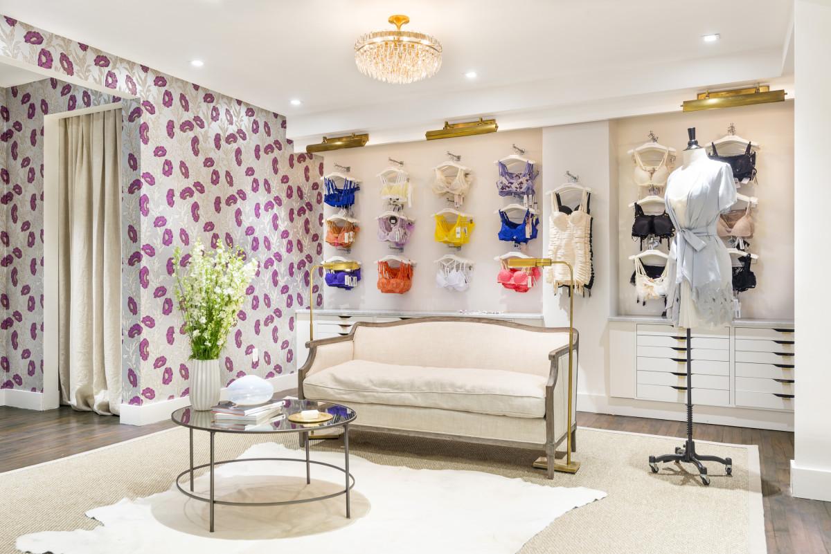 JOURNELLE GRAPHIC DESIGN INTERNSHIP PAID IN NYC Fashionista
