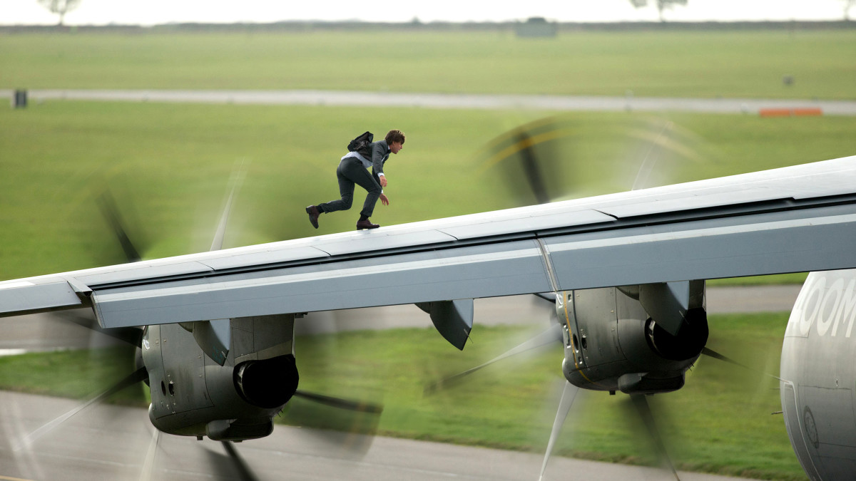 "Will he earn miles for that? Tom Cruise as Ethan Hunt in ""Mission: Impossible - Rogue Nation."" Photo: Christian Black/Paramount Pictures"