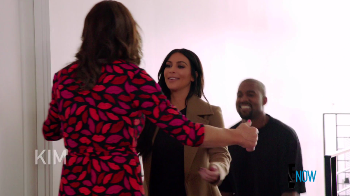 Jenner welcomes Kim Kardashian and Kanye West to her home. Screengrab: E!
