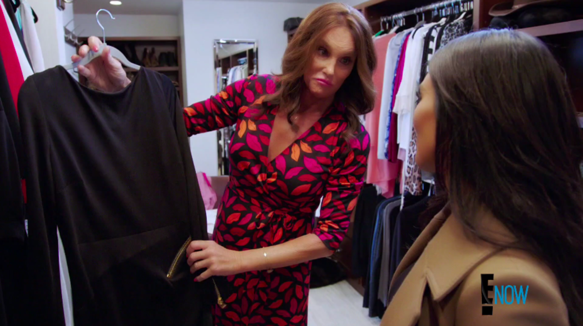 Good thing Kardashian knows her mom's closet inside and out — Kris Jenner has the same Tom Ford dress. Screengrab: E!