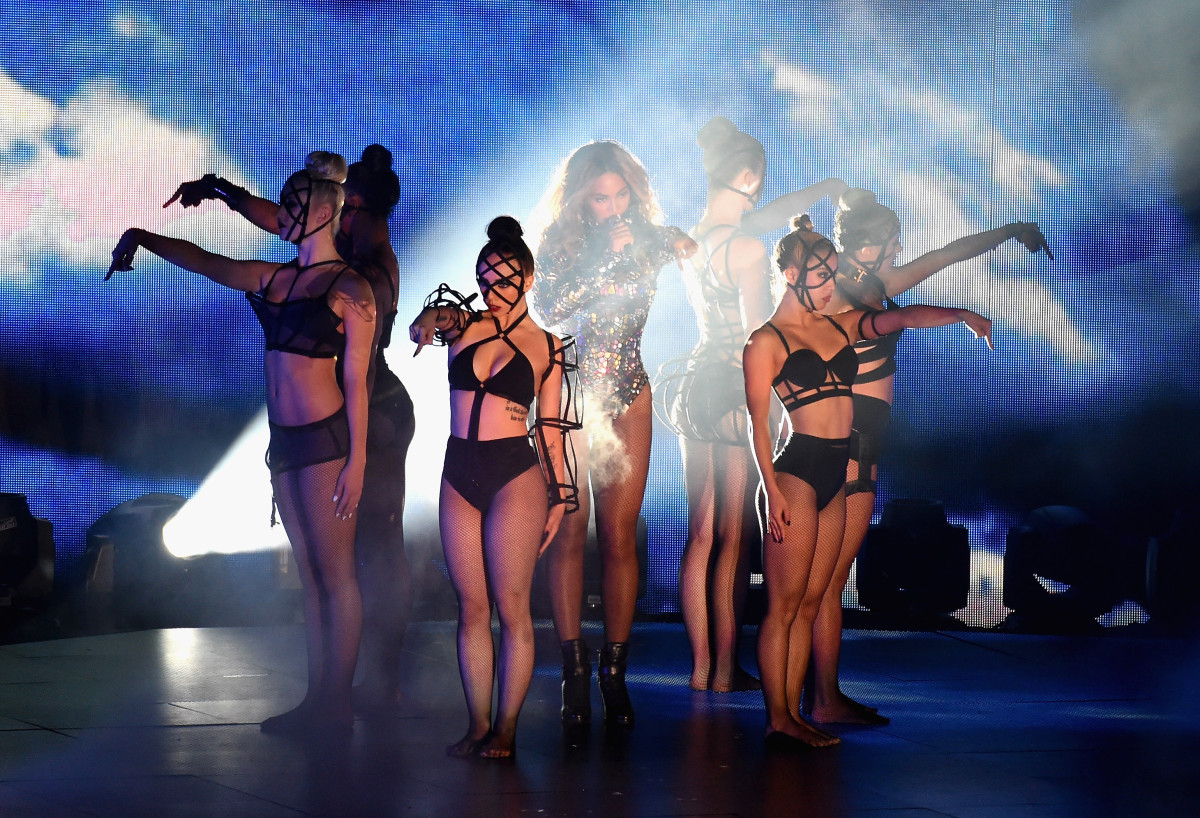 At the 2014 Video Music Awards, Beyoncé's back-up dancers wore arm cages, bustiers and face masks designed by Chromat. Photo: Michael Buckner/Getty Images Entertainment