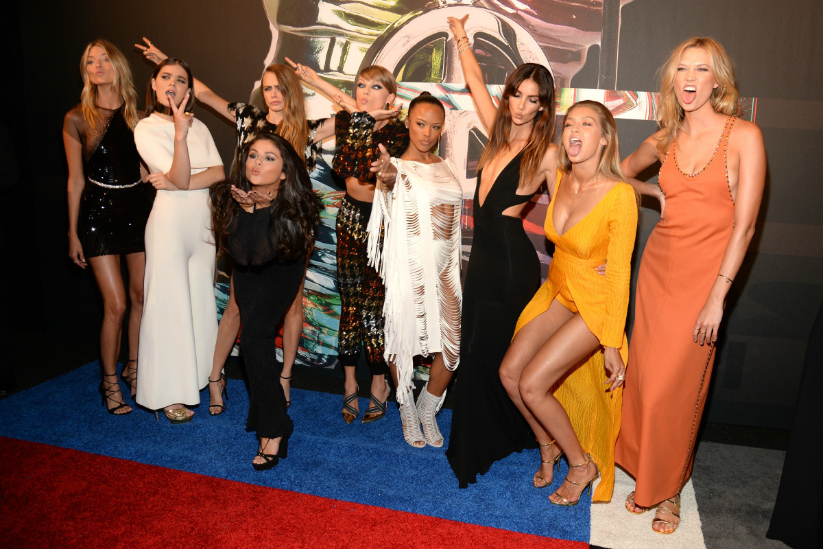 Taylor Swift & Co. at the 2015 VMAs in Los Angeles on Sunday. Photo: Kevin Mazur/WireImage