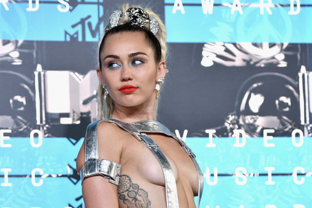 Miley Cyrus in Versace at the at the 2015 VMAs in Los Angeles on Sunday. Photo: John Shearer/Getty Images