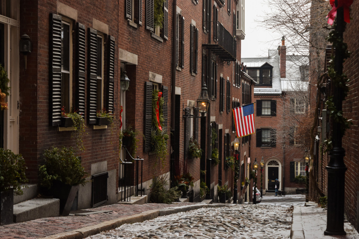 A snow-dusted Beacon Hill in Boston. Photo: Guilherme Nicholas