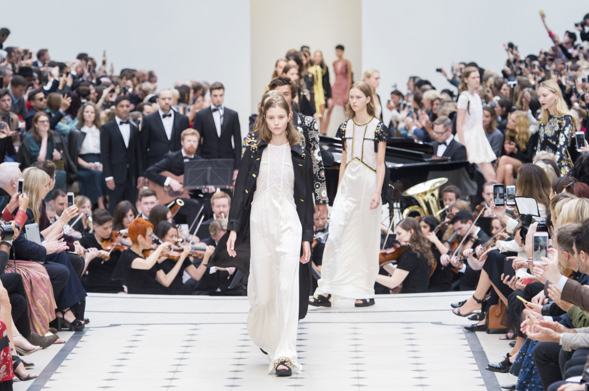 Burberry Prorsum spring 2015 runway show in London. Photo: Imaxtree