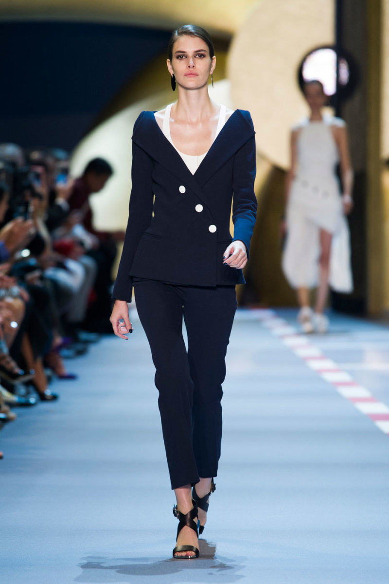 A look from Mugler's spring 2016 collection. Photo: Imaxtree