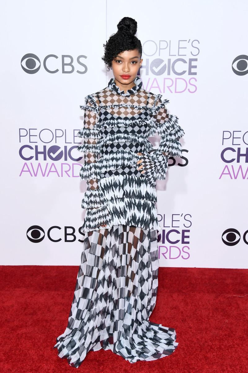 Yara Shahidi in Off-White at the 2017 People's Choice Awardsat Microsoft Theater on Wednesdayin Los Angeles. Photo: Kevork Djansezian/Getty Images