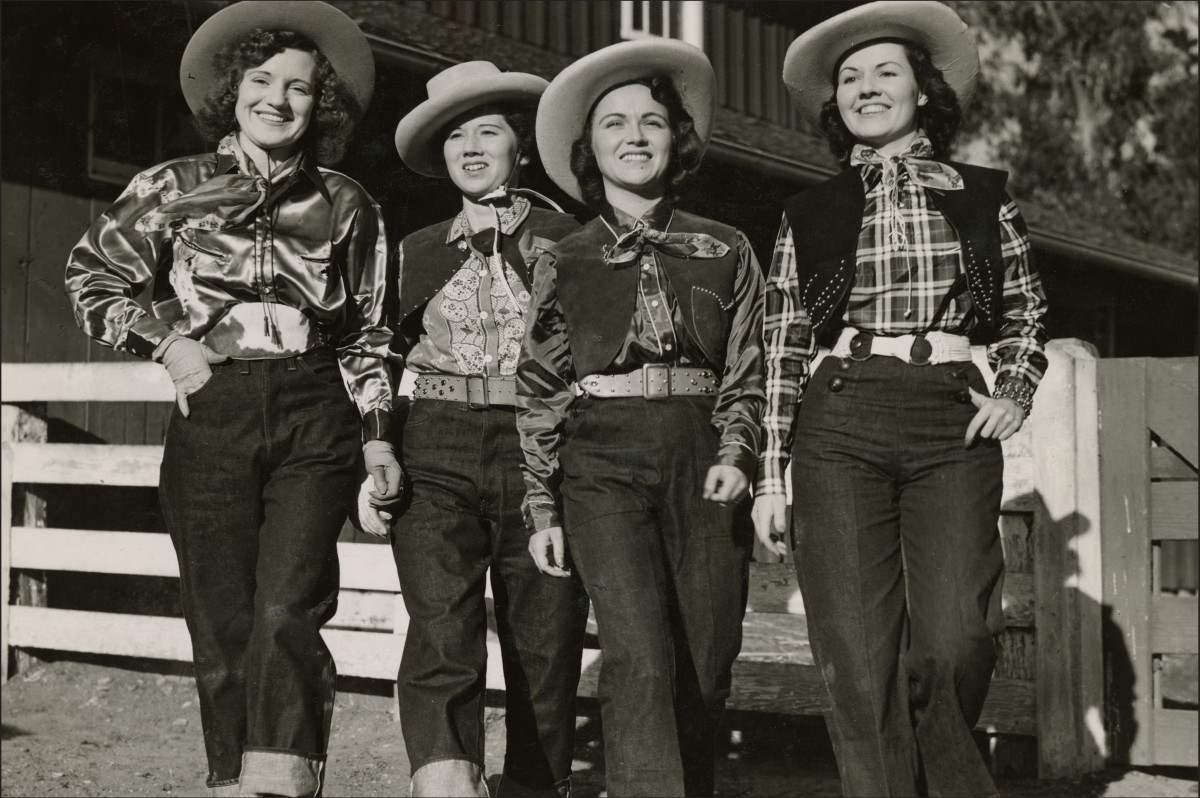 Fashion History Lesson The Bond Between Ladies And Levis Fashionista
