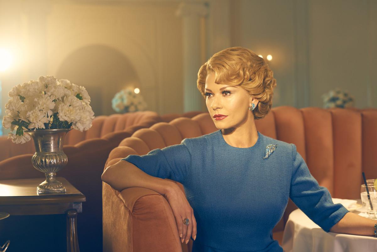 Catherine Zeta-Jones as Olivia de Havilland. CR: Kurt Iswarienko/FX