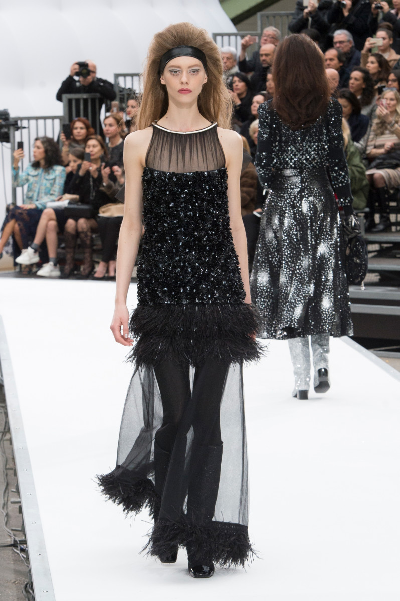 Every Look From the Chanel Fall 2017 Collection - Fashionista 61ba54bfad2b