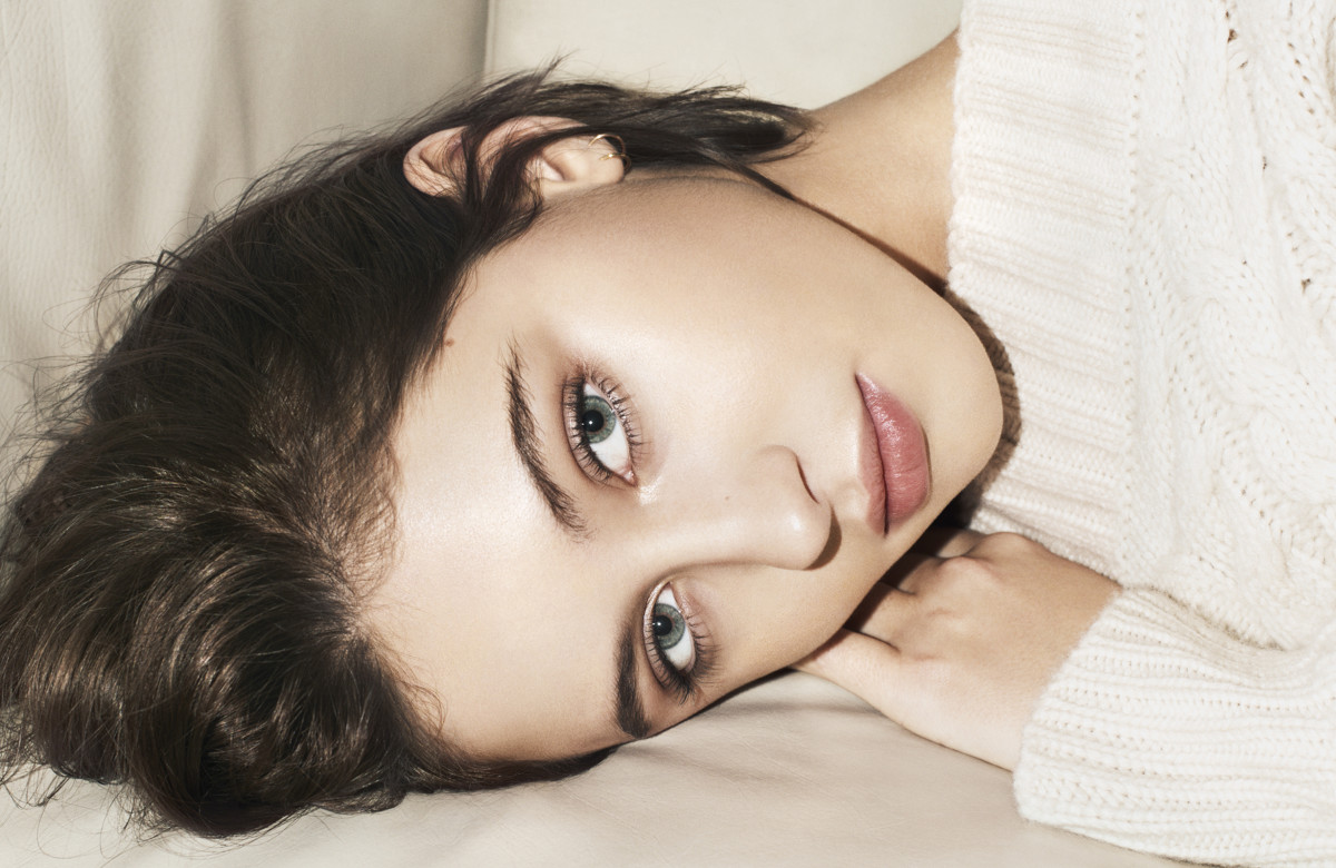Iris Law's second campaign for Burberry Beauty. Photo: Courtesy of Burberry