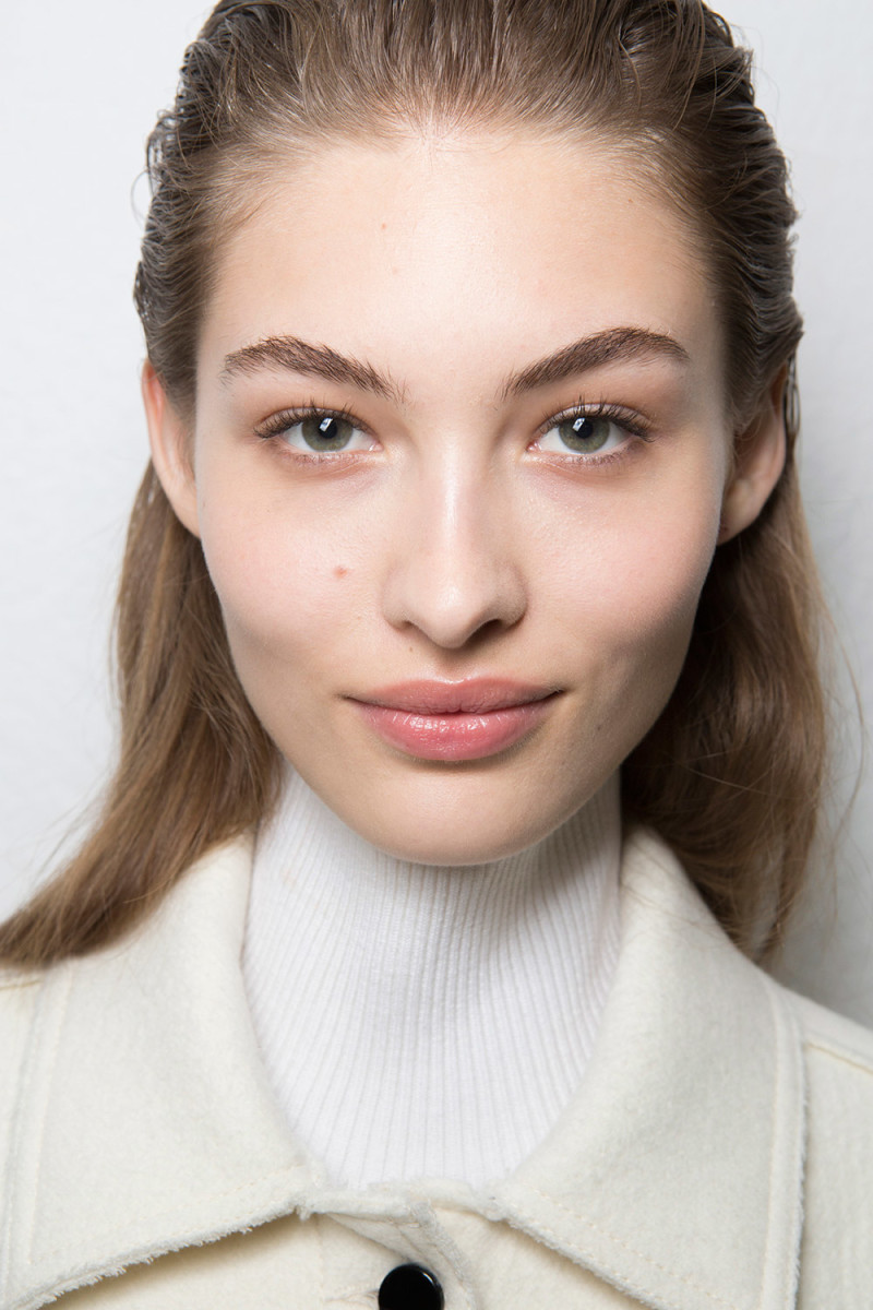 Grace Elizabeth backstage at Sportmax Fall 2017. Photo: Imaxtree