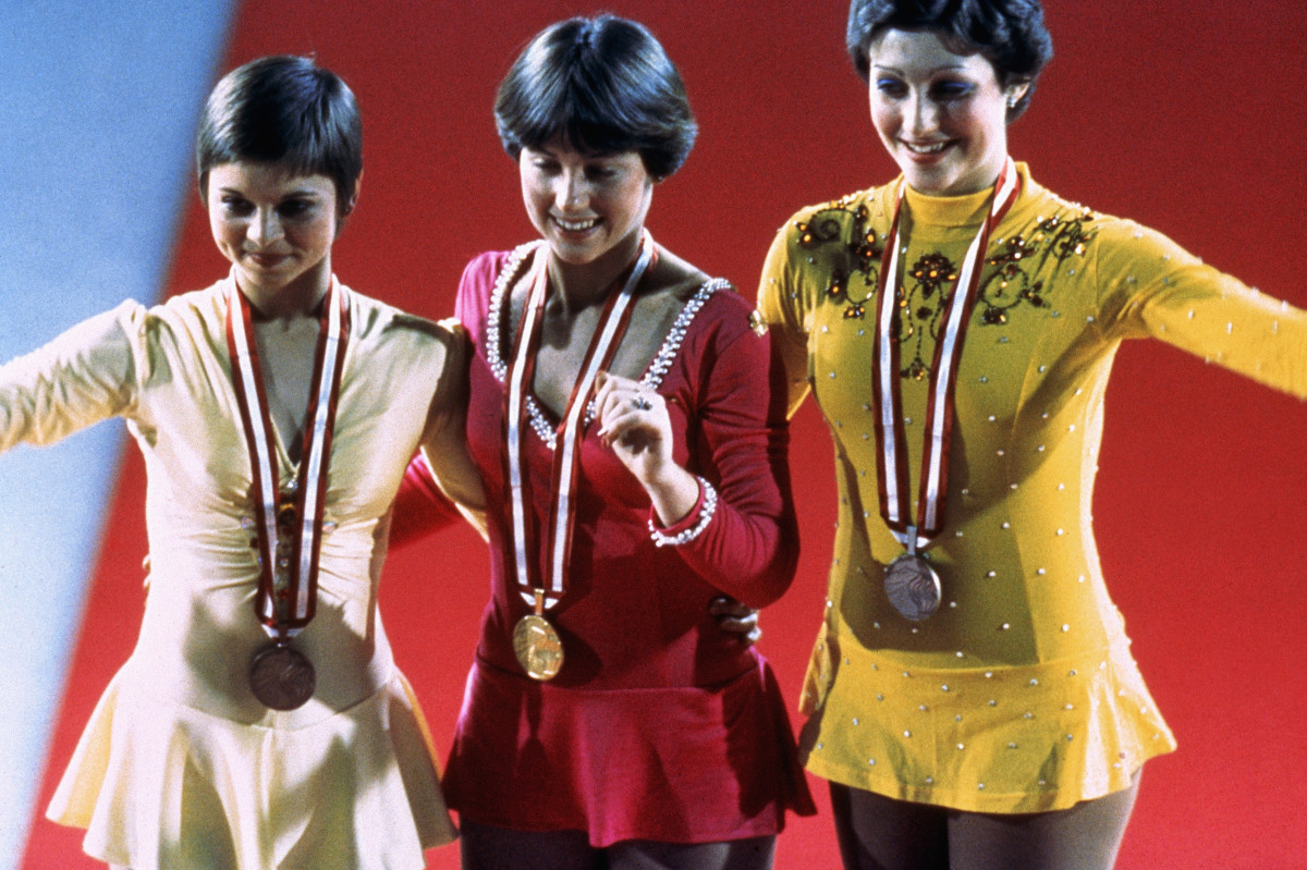 Dorothy Hamill (center) wins the gold medal at the 1976 Olympics. Photo: Tony Duffy/Getty Images