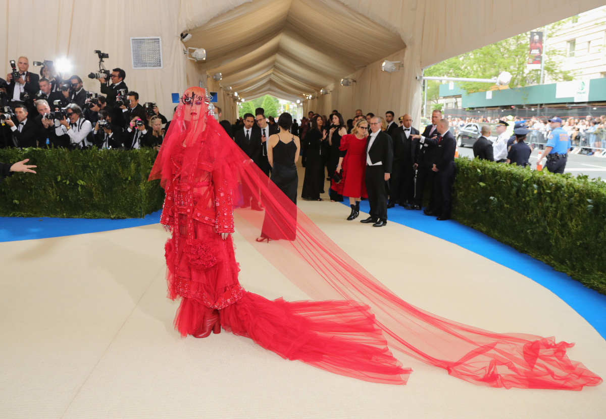 Katy Perry in Maison Margiela. Photo: Neilson Barnard/Getty Images