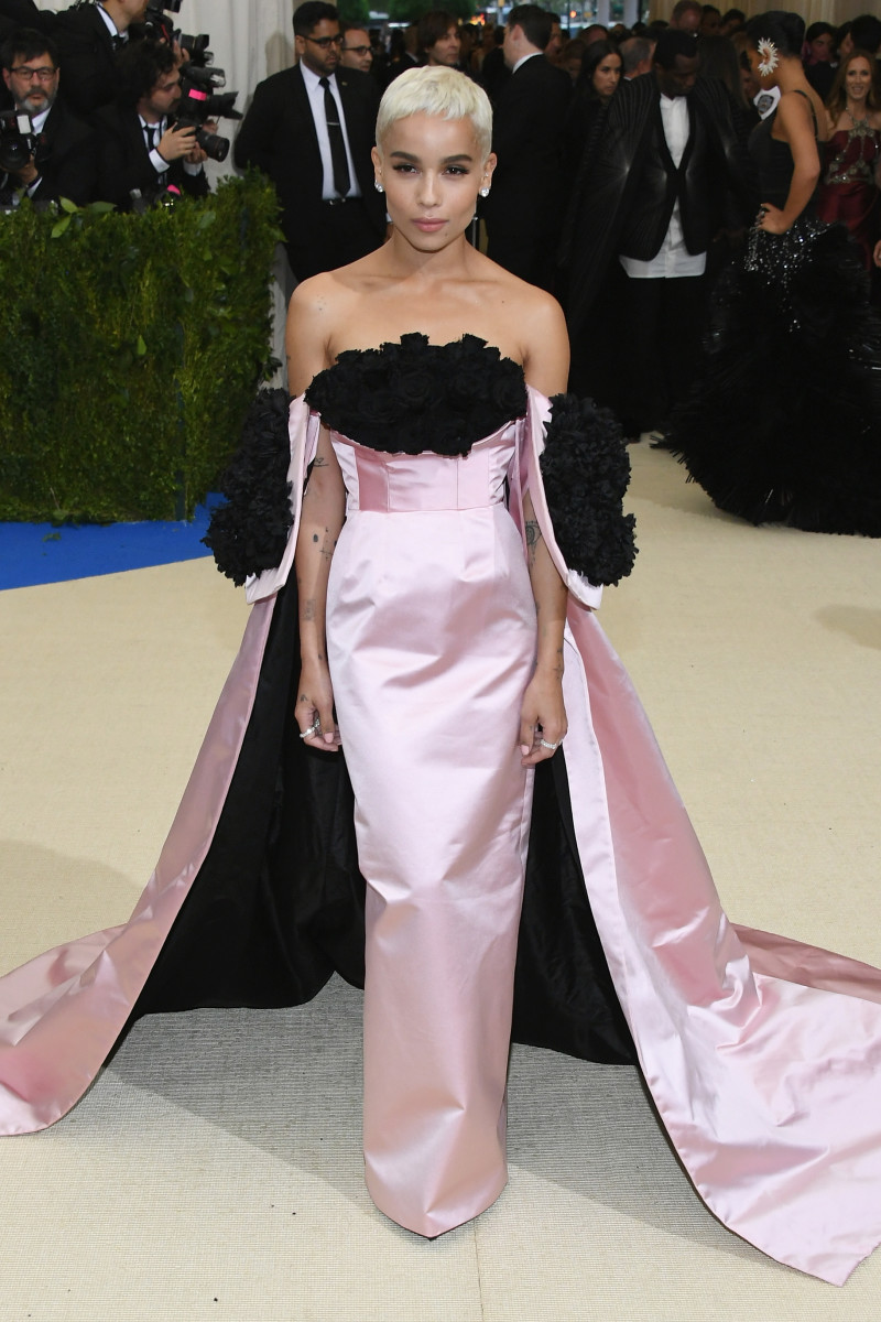 Zoe Kravitz In Oscar De La A At The 2017 Met Gala Photo Dia