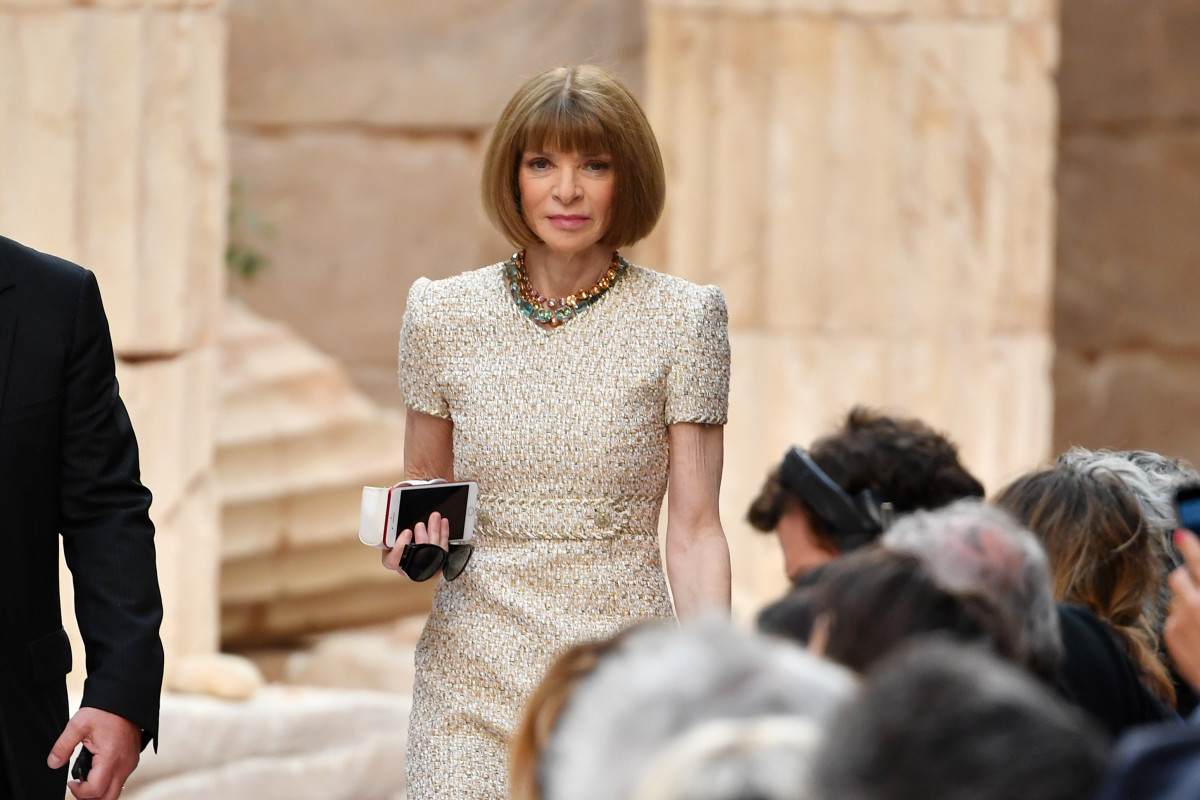 Anna Wintour at the Chanel Cruise 2018 runway show. Photo: Pascal Le Segretain/Getty Images