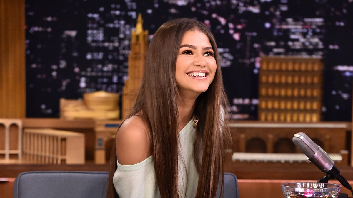 Zendaya Makes A Case for the Return of High-Low Skirts ...