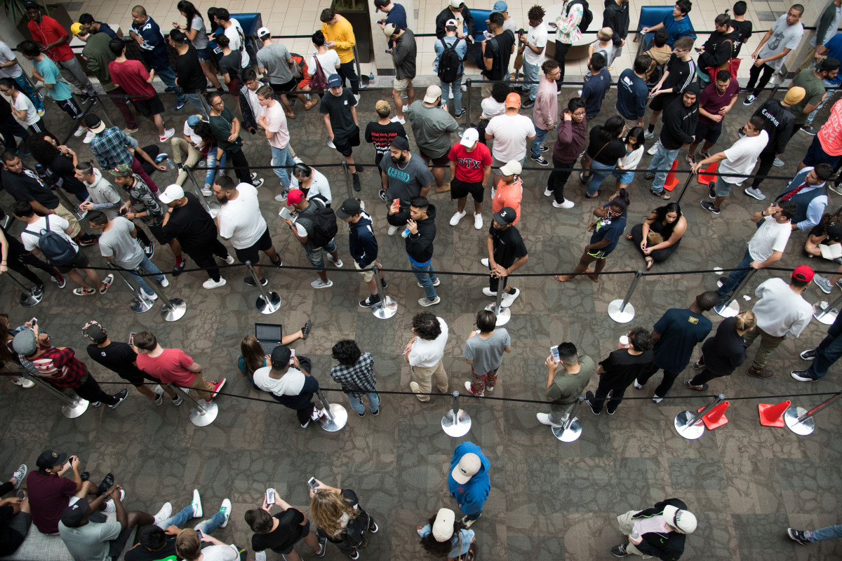 "Fans wait outside the Kanye West ""Pablo"" pop-up at Stonebriar Centre in Frisco, Texas. Photo: Cooper Neill/Getty Images"