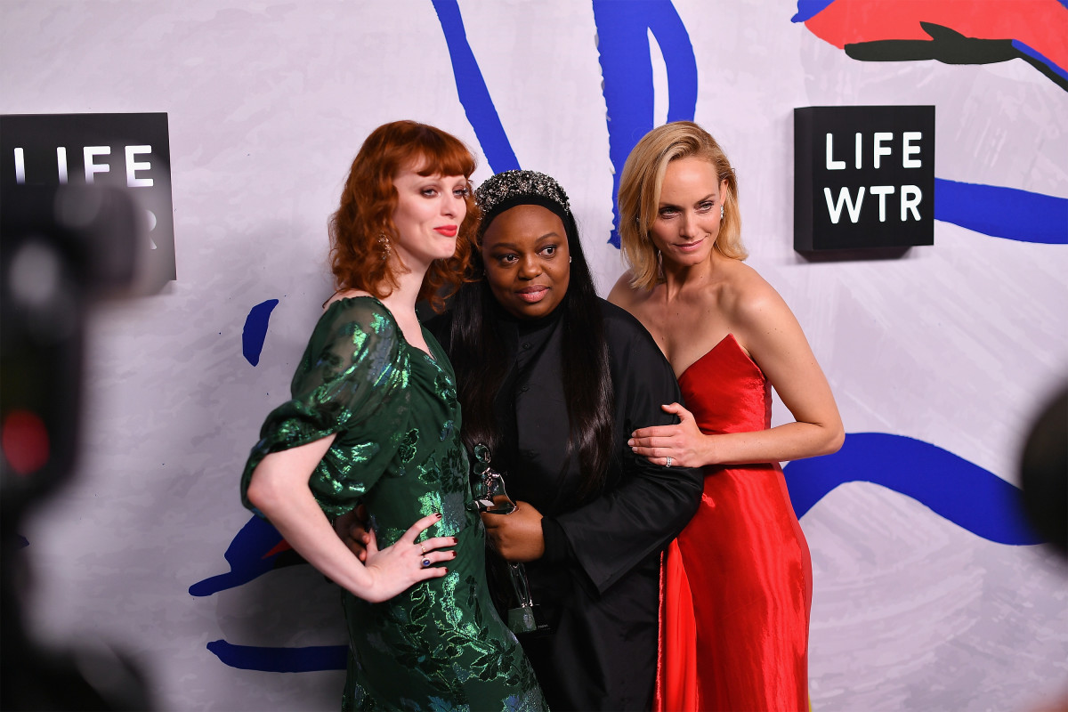 Karen Elson, Pat McGrath and Amber Valletta at the 2017 CFDA Awards in New York City. Photo: Dia Dipasupil/Getty Images for LIFEWTR
