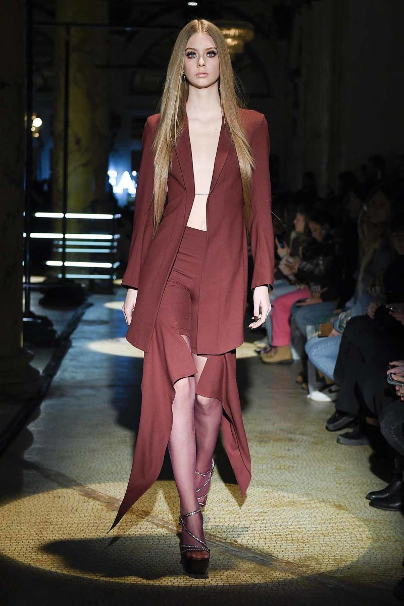 1 Area_FW17_Runway__Page_02