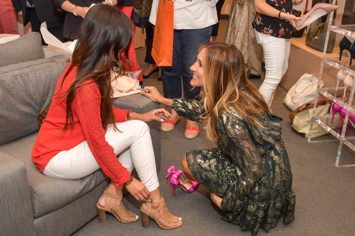 Sarah Jessica Parker helping a shopper at the SJP store at the Bellagio Hotel. Photo: Courtesy