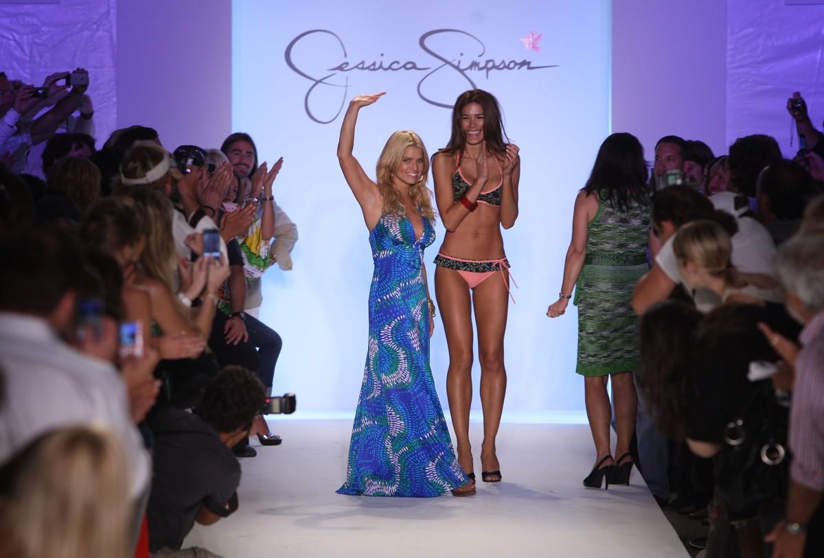 Jessica Simpson swimwear fashion show, 2007. Photo: Mark Mainz/Getty Images