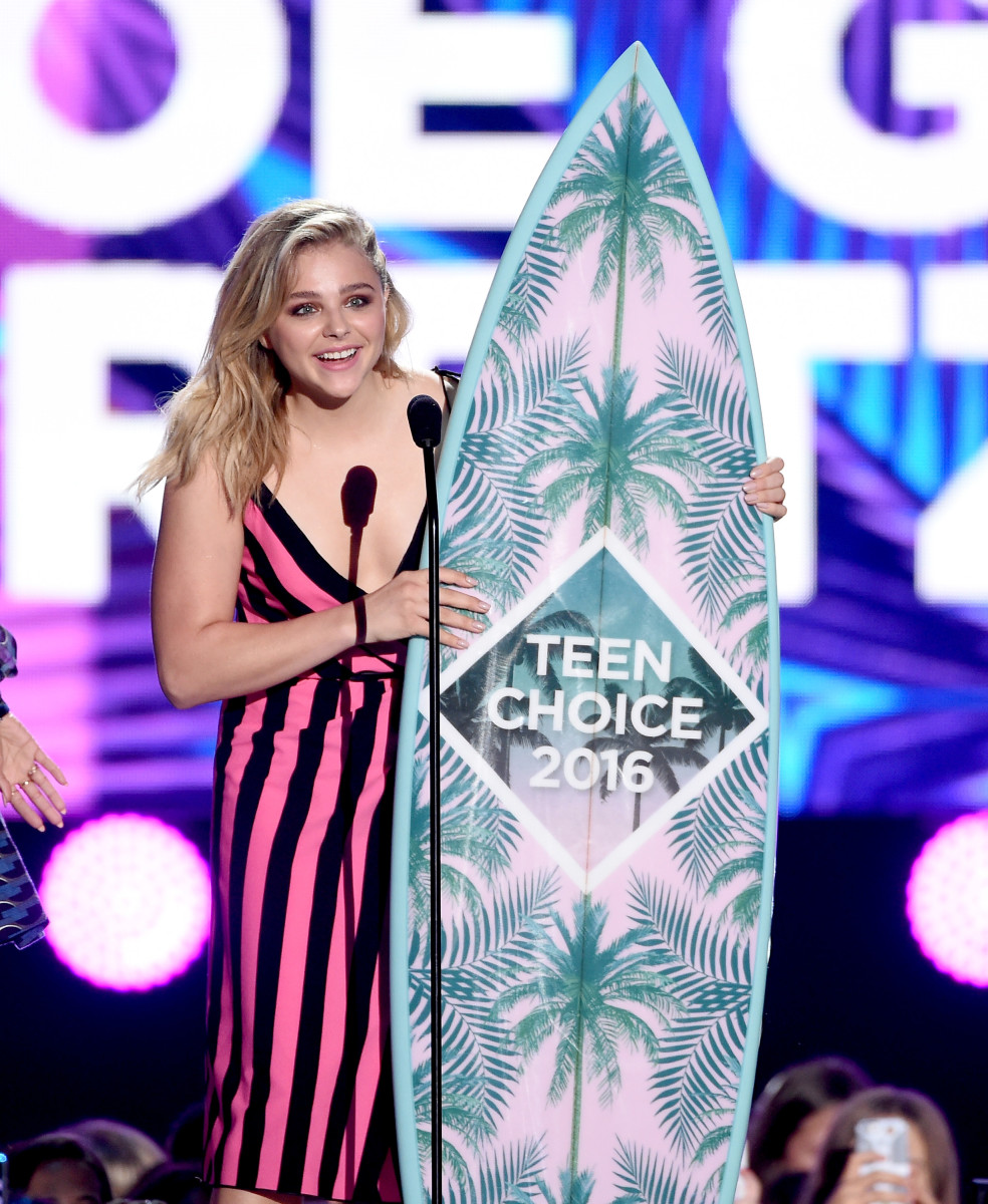 Chloe Moretz with the Teen Choice surfboard. Is it functional? Photo: Getty Images