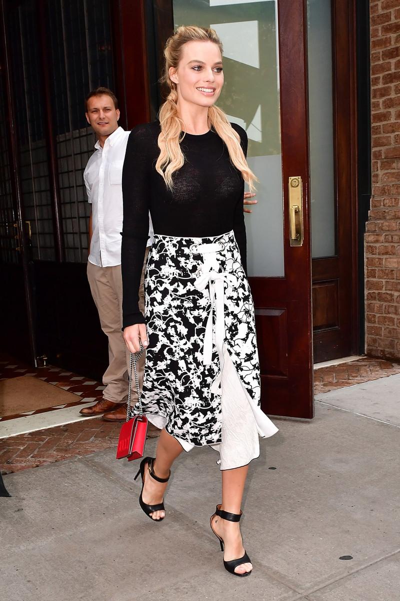 Margot Robbie wears Proenza Schouler on Saturday.Photo:James Devaney/GC Images
