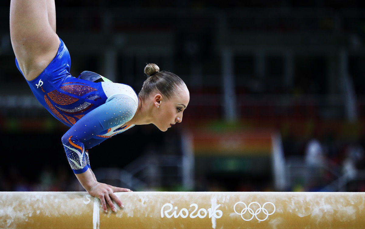 Sanne Wevers of the Netherlands at Sunday's qualifications. Photo: Ezra Shaw/Getty Images