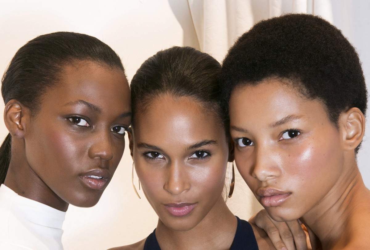 Perfect skin havers (a.k.a. models) backstage at Ralph Lauren's spring 2016 show. Photo: Imaxtree
