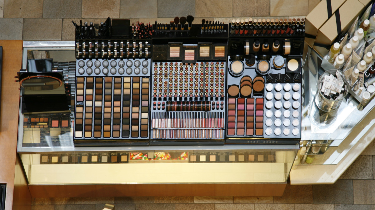 A cosmetics counter. Photo: fotofrog/Getty Images