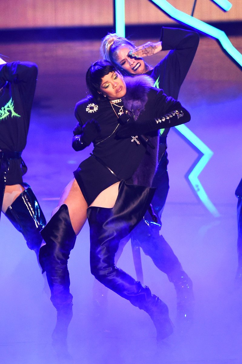 Rihanna performs for the third time at the 2016 MTV Video Music Awards. Photo: Michael Loccisano/Getty Images
