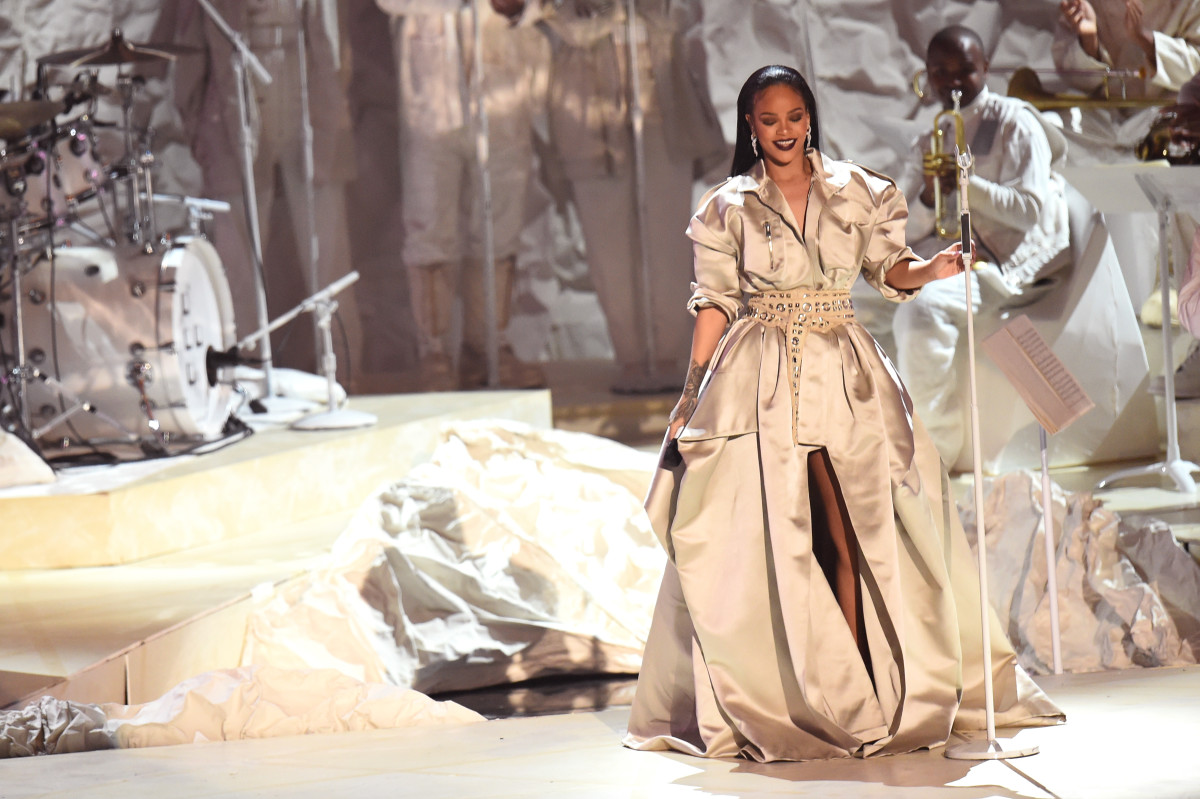 Rihanna's final performance at the 2016 MTV Video Music Awards. Photo: Michael Loccisano/Getty Images