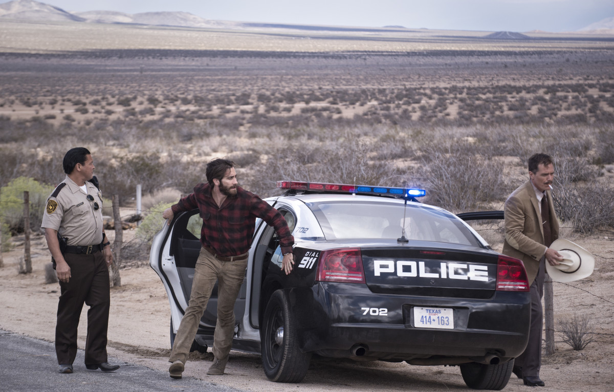 Jake Gyllenhaal as Tony (middle) and Michael Shannon as Bobby Andes (right). Photo: Merrick Morton/Focus Features